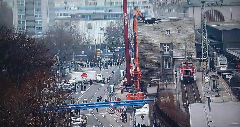 Polizeipräsidium Stuttgart Südflügel nach Baggerbiss